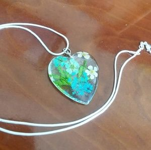 Jewelry - Blue white flowers heart shaped silver necklace